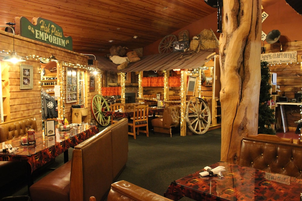 Restaurant, Old Corral Hotel & Steakhouse