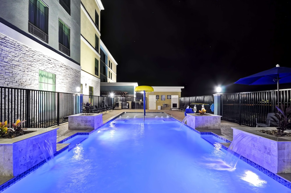 Pool, Homewood Suites By Hilton New Braunfels