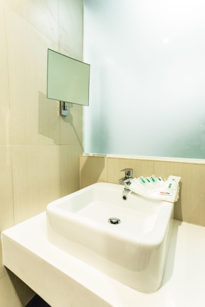 Bathroom Sink, Go Hotels Manila Airport Road