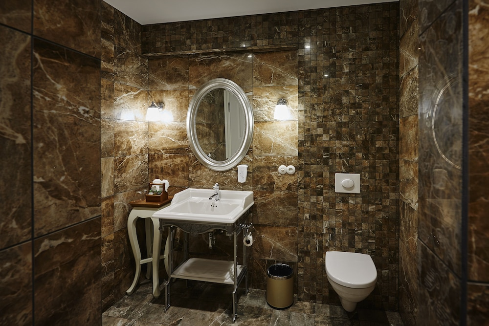 Bathroom, Siglo Hotel