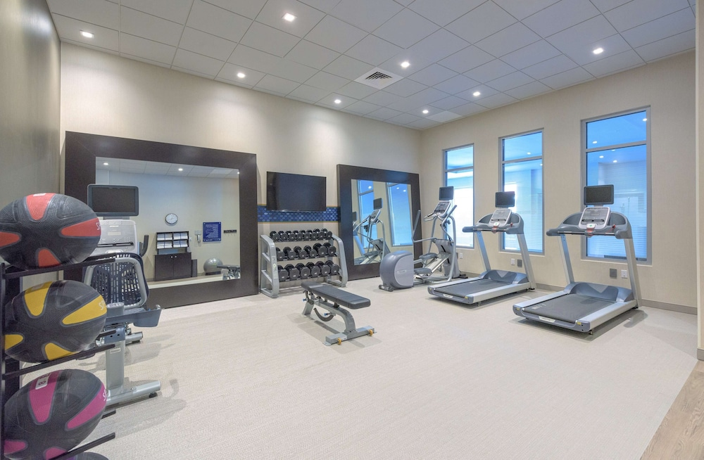 Fitness Facility, Hampton Inn & Suites Worcester, MA