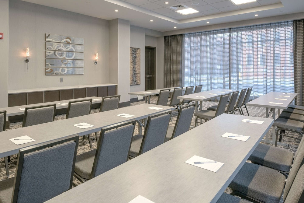 Meeting Facility, Hampton Inn & Suites Worcester, MA