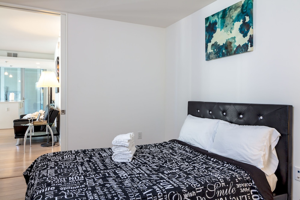 Downtown la 2 bedroom fully furnished apartment in los for 2 bedroom apartments in los angeles