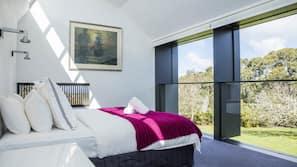 4 bedrooms, premium bedding, down duvets, pillow-top beds