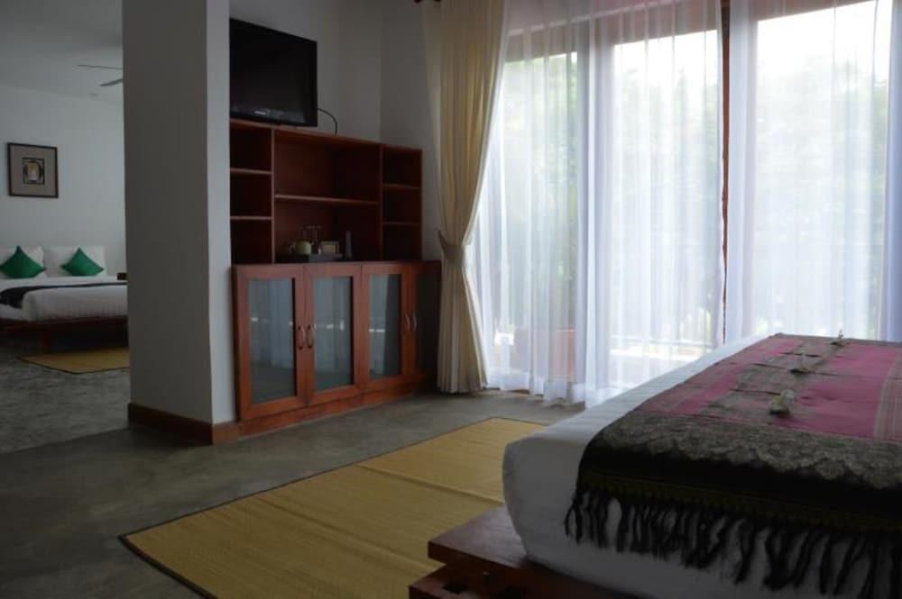 Book secret villa boutique hotel phnom penh hotel deals for Secret boutique hotels