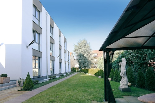 NAAM Hotel & Apartment Frankfurt City-Messe Airport