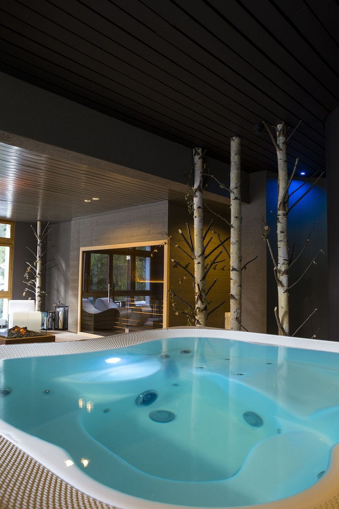 Indoor Spa Tub, Hotel Europe