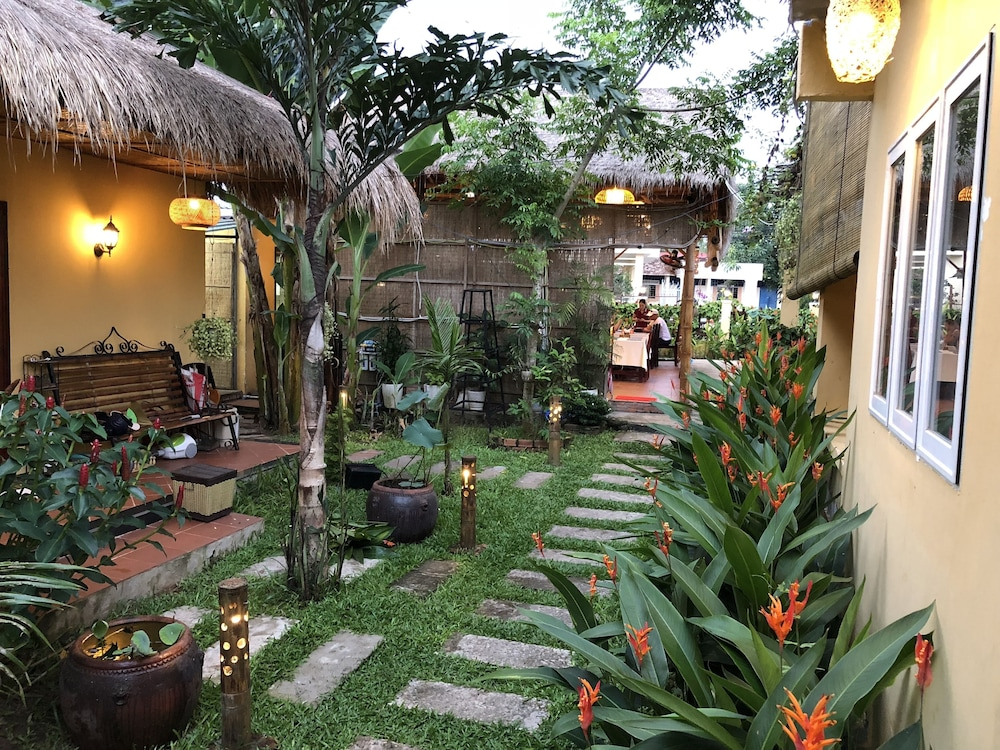 Tropical Garden Homestay 2019 Room Prices 21 Deals Reviews Expedia