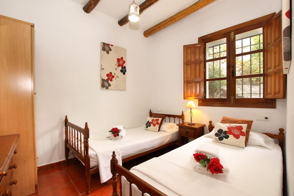 Room, Casitas de la Sierra