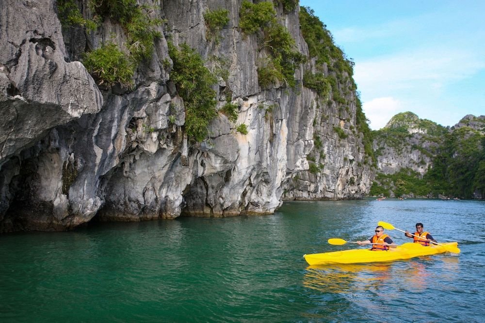 Kayaking, Halong Royal Palace Cruise