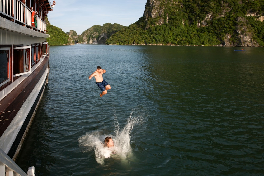 Natural Pool, Halong Royal Palace Cruise