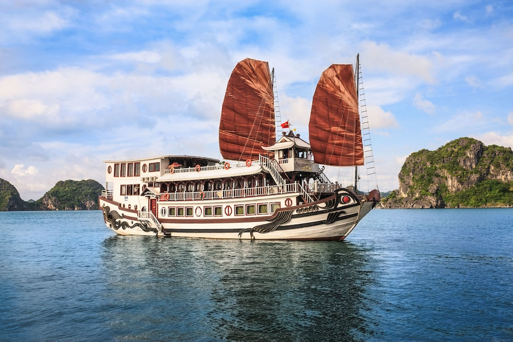 Featured Image, Halong Royal Palace Cruise