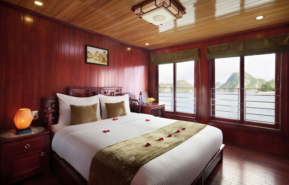 Room, Halong Royal Palace Cruise