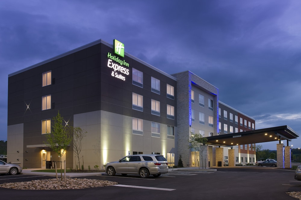 Exterior, Holiday Inn Express & Suites Altoona