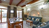 Pergola Farmhouses - XAGTRA GOZO Hotels