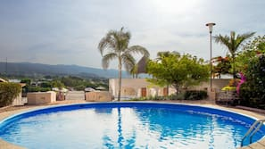 2 piscinas al aire libre (de 8:00 a 20:00), cabañas de piscina gratuitas