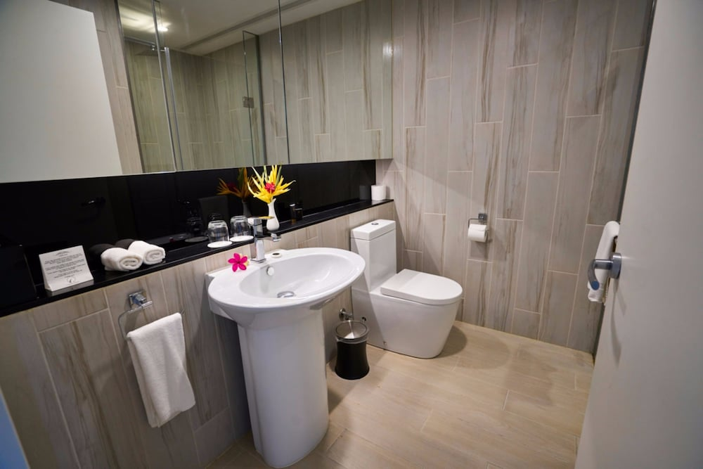 Bathroom, Taumeasina Island Resort