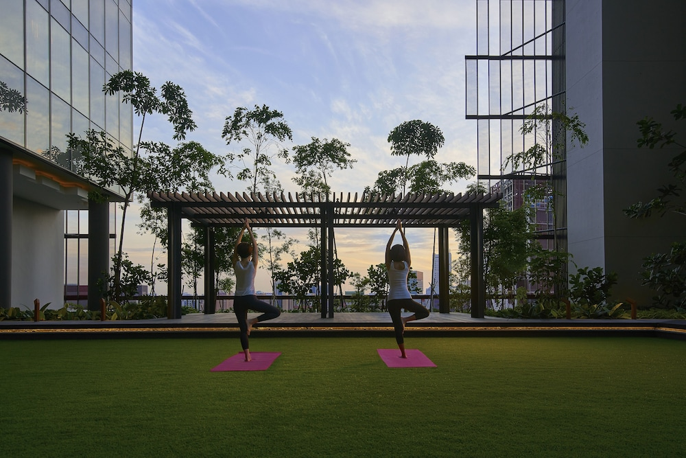 Yoga, Oasia Hotel Downtown Singapore (SG Clean)