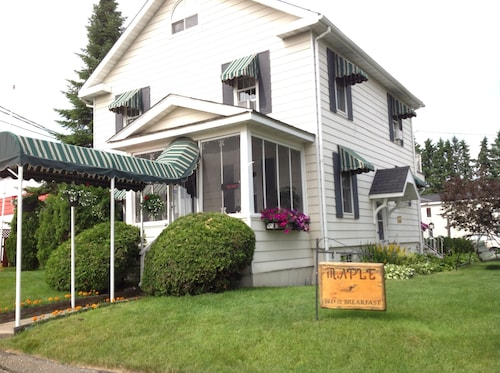 Great Place to stay Maple Tourist Home Bed & Breakfast near Grand Falls