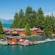 Nootka Island Lodge