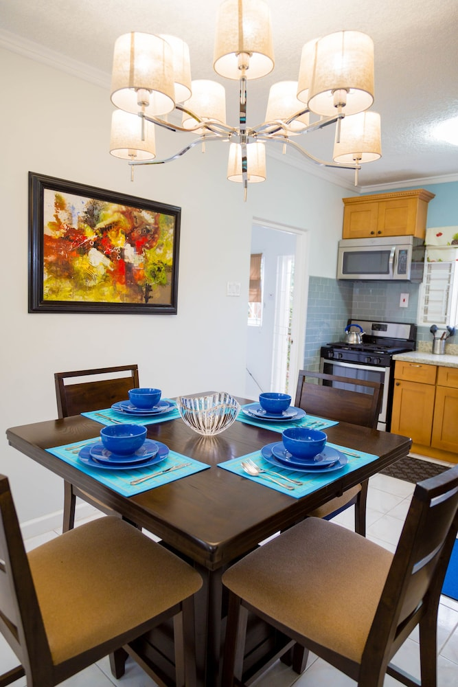 Centrally Located Guest Apartments Kingston Jam
