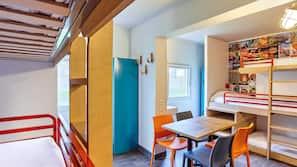 Bureau, chambres insonorisées, fer et planche à repasser, Wi-Fi gratuit