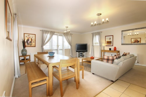 Berkshire Rooms-Bracknell