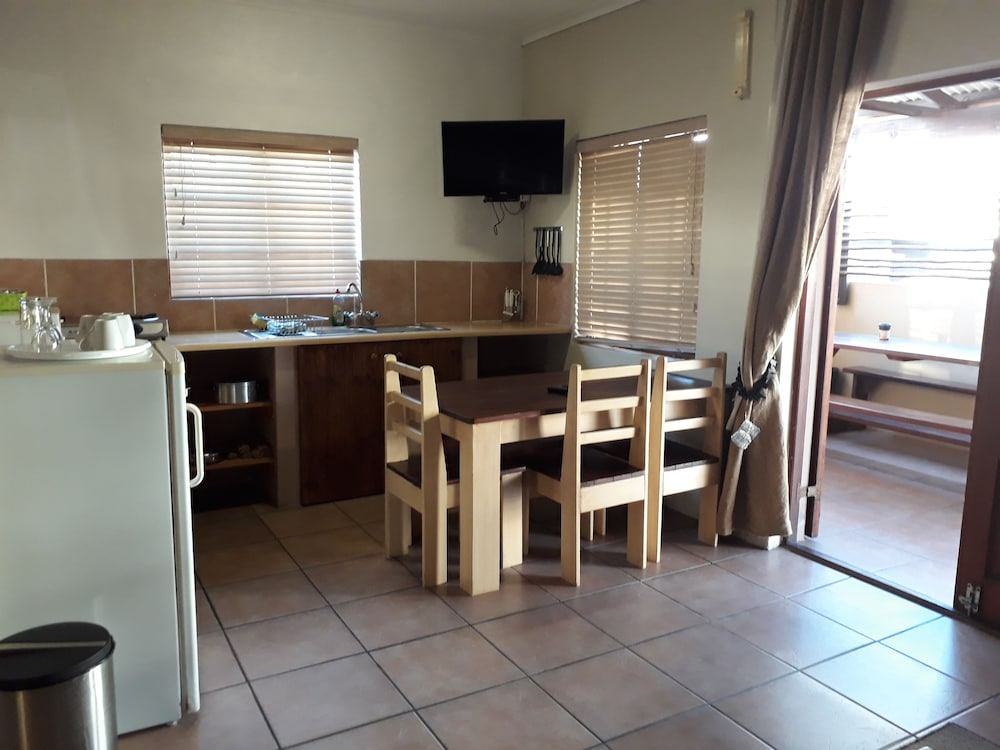 Private Kitchenette, Tourist Lodge Gansbaai