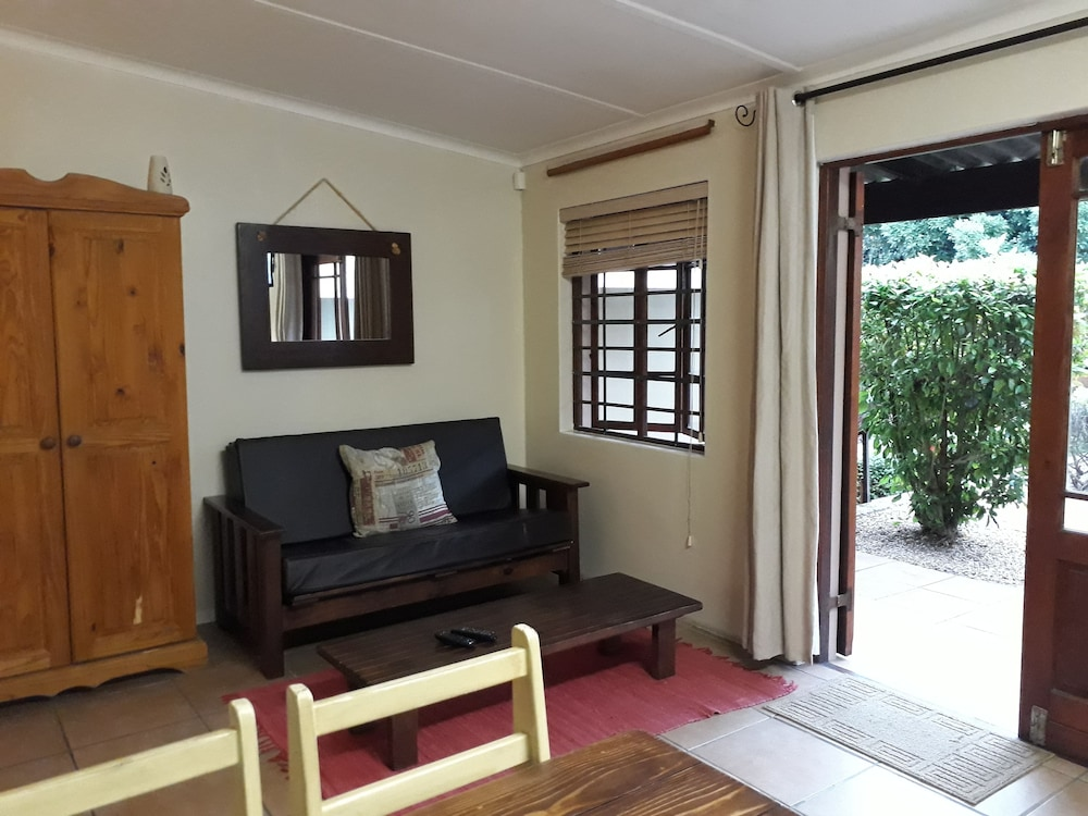 Living Area, Tourist Lodge Gansbaai