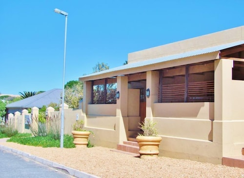 Exterior, Tourist Lodge Gansbaai