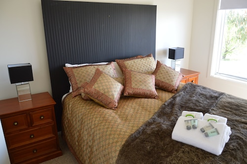 Top 10 Accommodation Near Vale Creek Winery From Au 87 Wotif