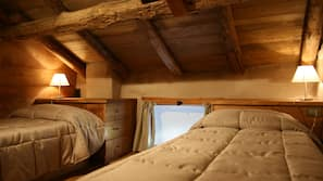 Premium bedding, in-room safe, blackout drapes, free cribs/infant beds