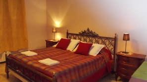 8 bedrooms, Frette Italian sheets, premium bedding, memory-foam beds