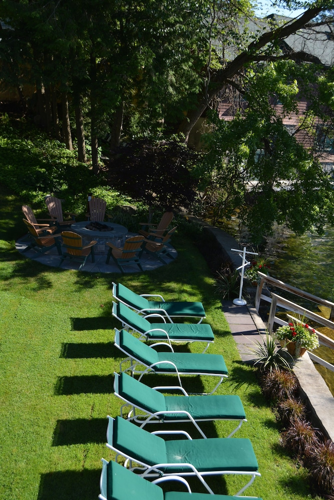Sundeck, Boathouse Bed & Breakfast