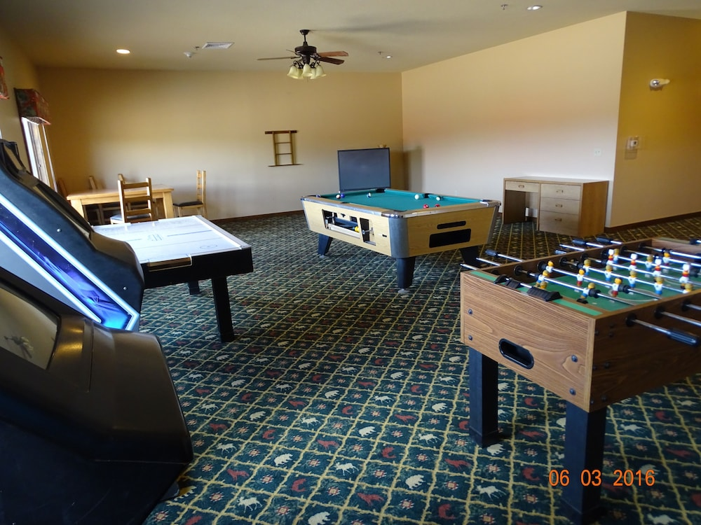 Game Room, Elk View Inn