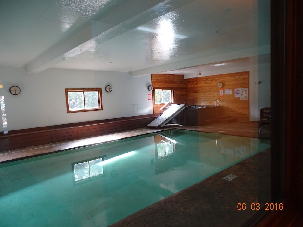 Indoor Pool, Elk View Inn
