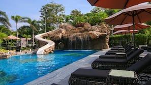 室外泳池;免費小屋、泳池傘