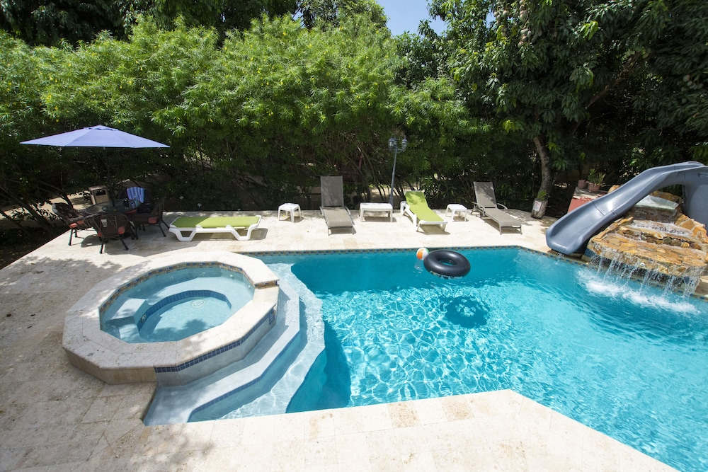 Pool, Caribbean Shores Bed & Breakfast