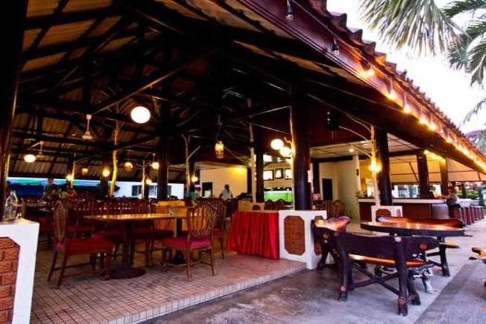 Dining, Supar Royal Beach Resort