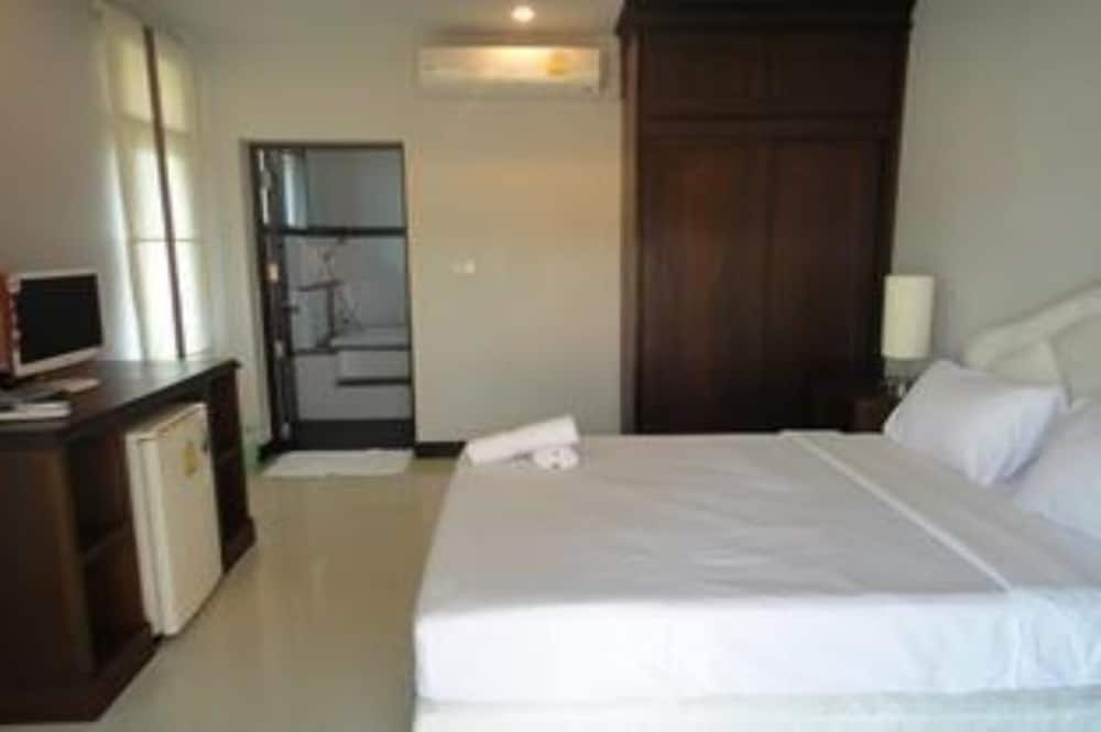 Room, Khanom Sunrise Beach Hotel
