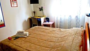 3 bedrooms, Frette Italian sheets, premium bedding, down comforters