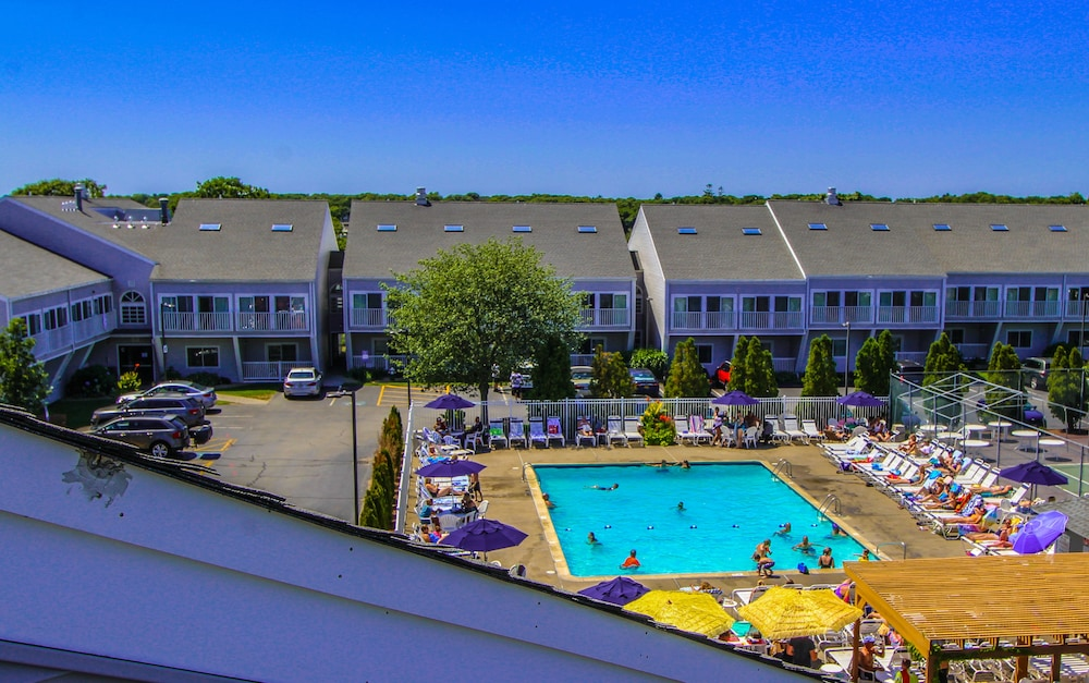 Book the cove at yarmouth a vri resort west yarmouth for Cove cape cod