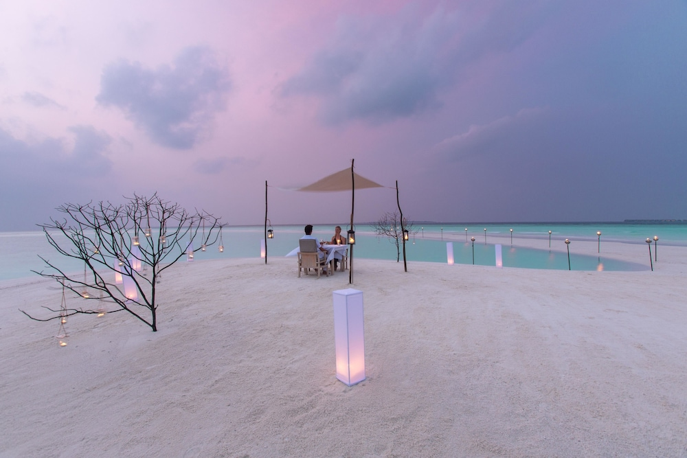 Outdoor Dining, Milaidhoo Island Maldives