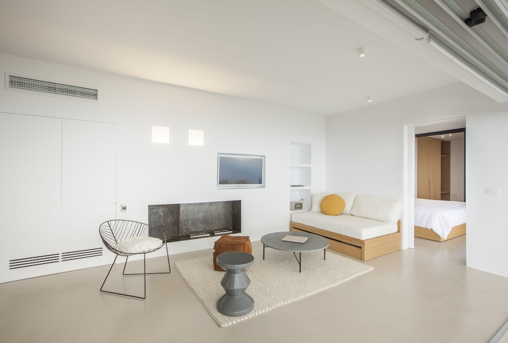 Living Room, Santorini Heights