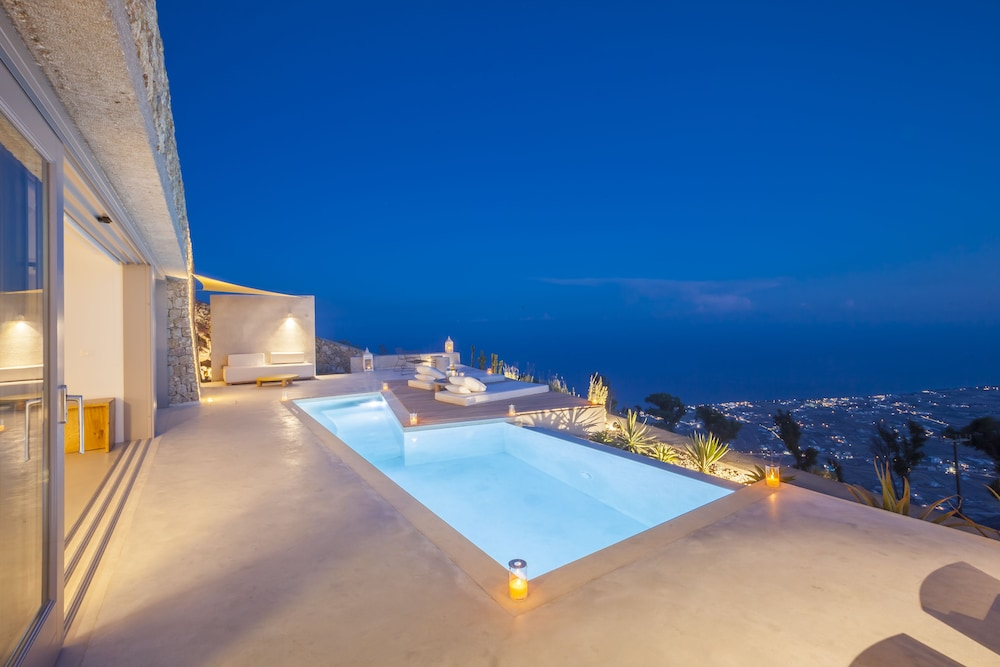 Featured Image, Santorini Heights
