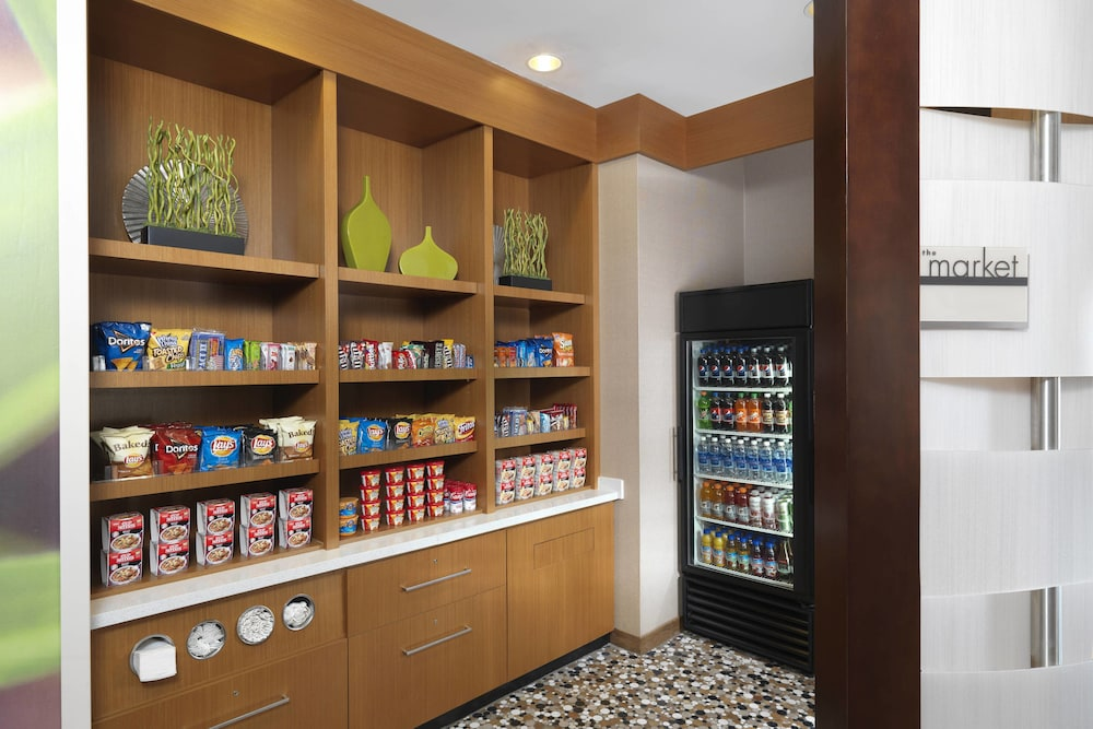 Snack Bar, Springhill Suites by Marriott Charleston Mount Pleasant