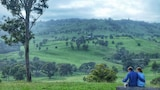 Waterfall Way Farmstay - Wollomombi Hotels