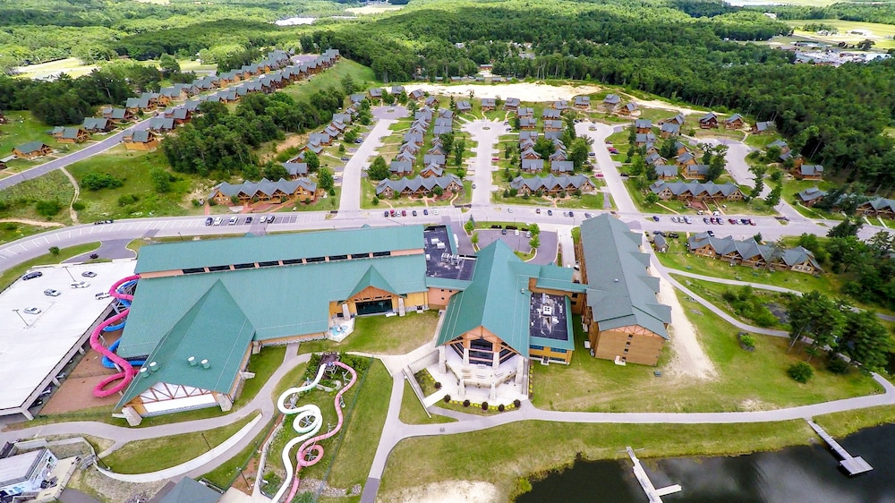 Resort at a Glance: The Villas at Three Bears Resort. The centerpiece of Three Bears Resort is its 60,square-foot indoor water park. It features exhilarating tube slides, as well as slower-paced attractions such as a lazy river and hot cemedomino.ml: $