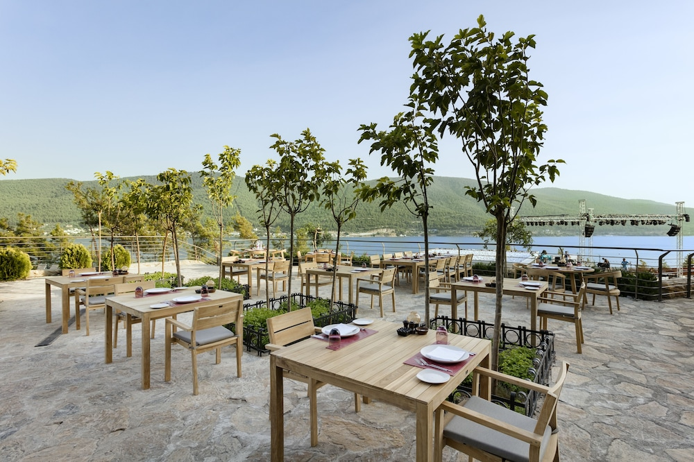 Outdoor Dining, Titanic Deluxe Bodrum - All Inclusive