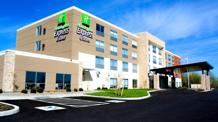 Holiday Inn Express & Suites Oswego, an IHG Hotel